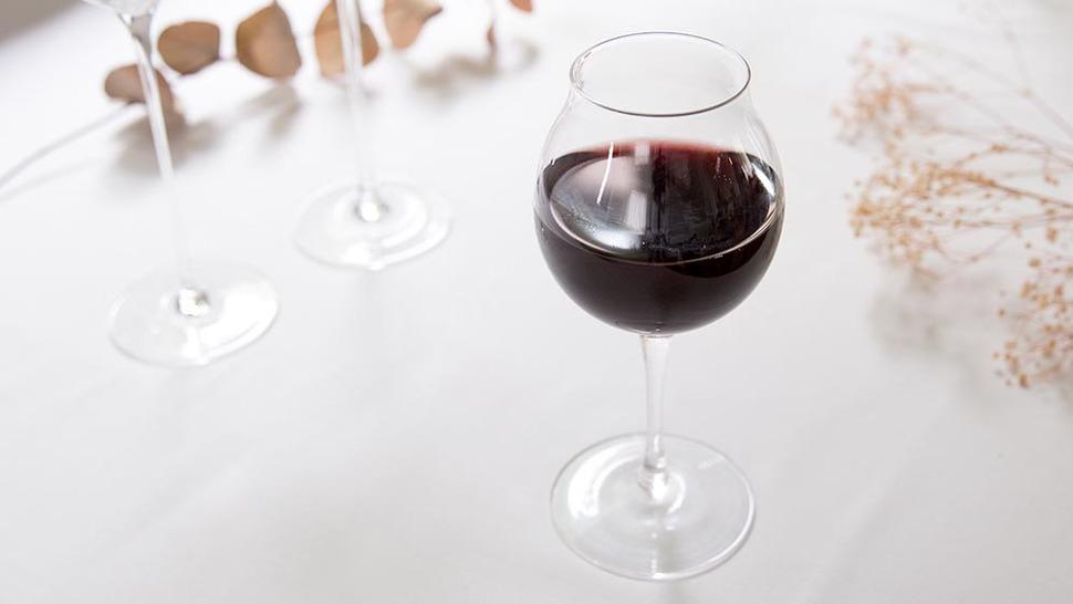 ワインが入ったタサキ ポート