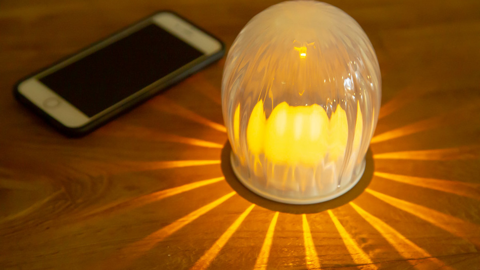 LED-light-with-smartphone
