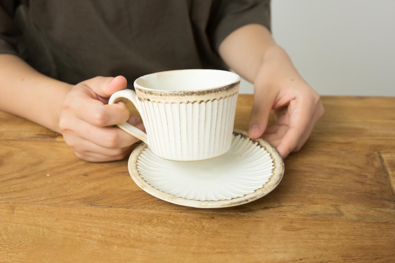 毎日使えるカップとソーサー