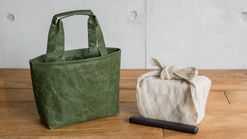 弁当箱と和紙のランチバッグ