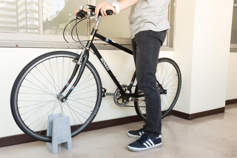 CLAMPでお気に入りの自転車をインテリアに