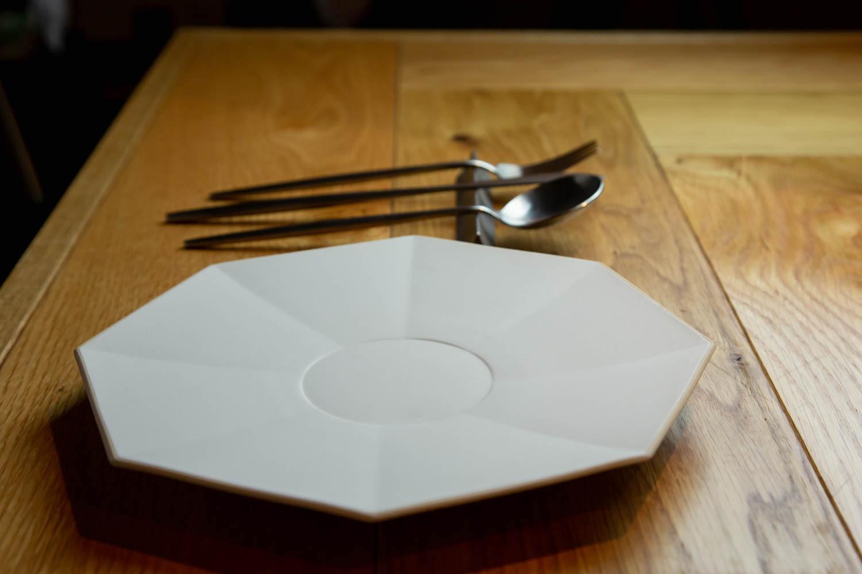 結婚祝いに特別なギフトを 波佐見焼のオリジナルペア食器 eni エニ