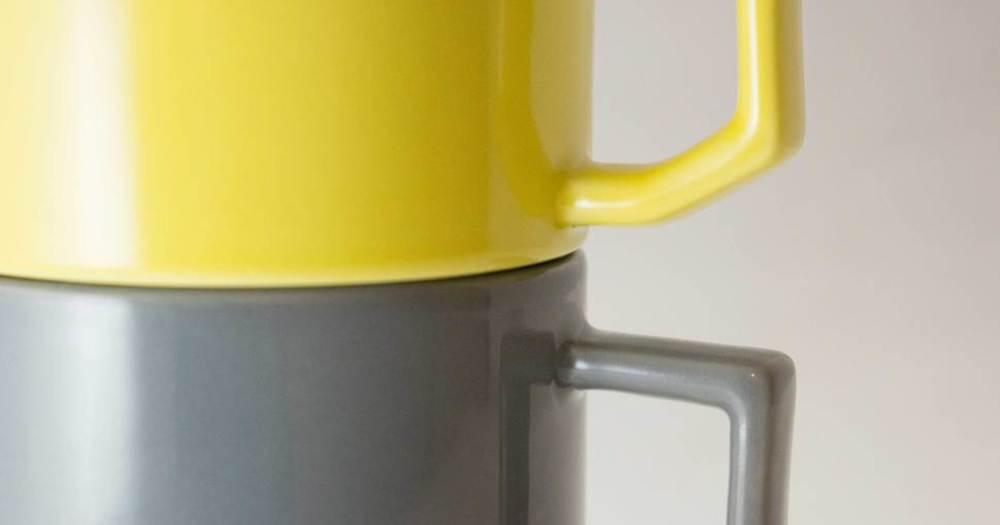 Thumb mug