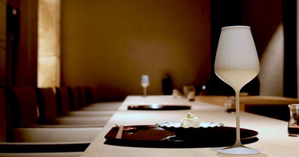 """【検証】有田焼のワイングラス、rice wine glass.で日本酒の""""香り""""はどう変わる?"""
