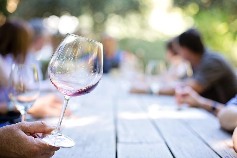 赤ワインのスワリング